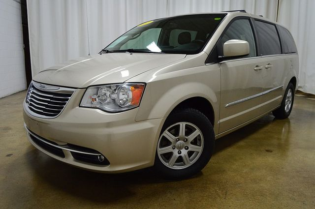 2013 Chrysler Town & Country Touring W Leather