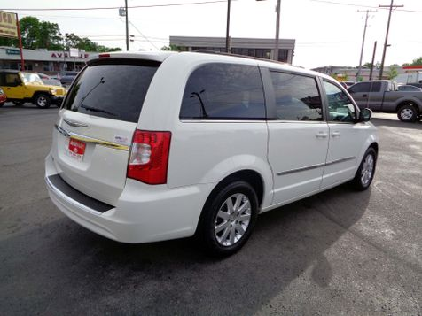 2013 Chrysler Town & Country Touring | Nashville, Tennessee | Auto Mart Used Cars Inc. in Nashville, Tennessee