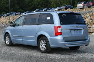 2013 Chrysler Town & Country Touring Naugatuck, Connecticut 2