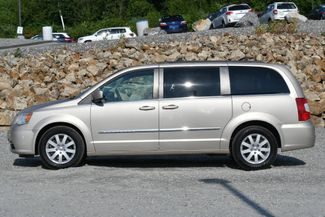 2013 Chrysler Town & Country Touring Naugatuck, Connecticut 1