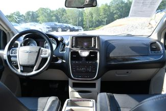 2013 Chrysler Town & Country Touring Naugatuck, Connecticut 14