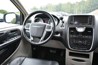 2013 Chrysler Town & Country Touring Naugatuck, Connecticut 15