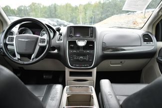 2013 Chrysler Town & Country Touring Naugatuck, Connecticut 16