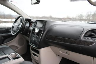 2013 Chrysler Town & Country Touring Naugatuck, Connecticut 10
