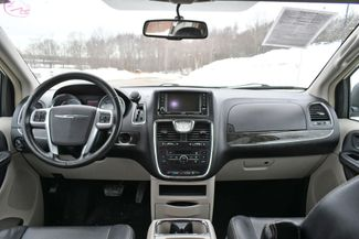 2013 Chrysler Town & Country Touring Naugatuck, Connecticut 18