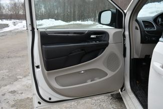 2013 Chrysler Town & Country Touring Naugatuck, Connecticut 21