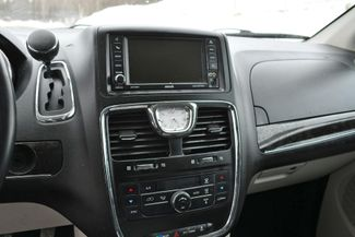 2013 Chrysler Town & Country Touring Naugatuck, Connecticut 24