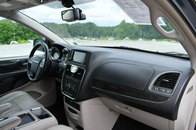 2013 Chrysler Town & Country Touring-L Naugatuck, Connecticut 10