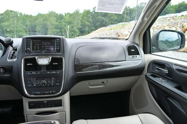 2013 Chrysler Town & Country Touring-L Naugatuck, Connecticut 15