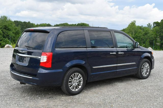 2013 Chrysler Town & Country Touring-L Naugatuck, Connecticut 6