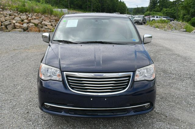 2013 Chrysler Town & Country Touring-L Naugatuck, Connecticut 9