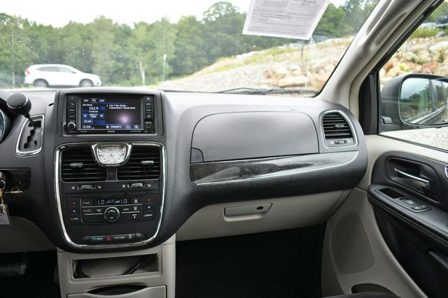 2013 Chrysler Town & Country Touring Naugatuck, Connecticut 13