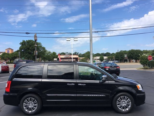 2013 Chrysler Town & Country Touring-L in Richmond, VA, VA 23227