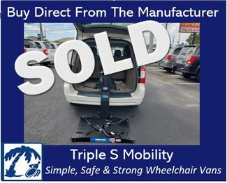 2013 Chrysler Town & Country Touring Wheelchair Van Handicap Ramp Lift Van in Pinellas Park, Florida 33781