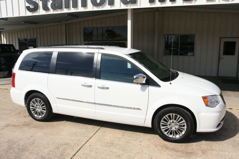 2013 Chrysler Town & Country Touring-L in Vernon Alabama