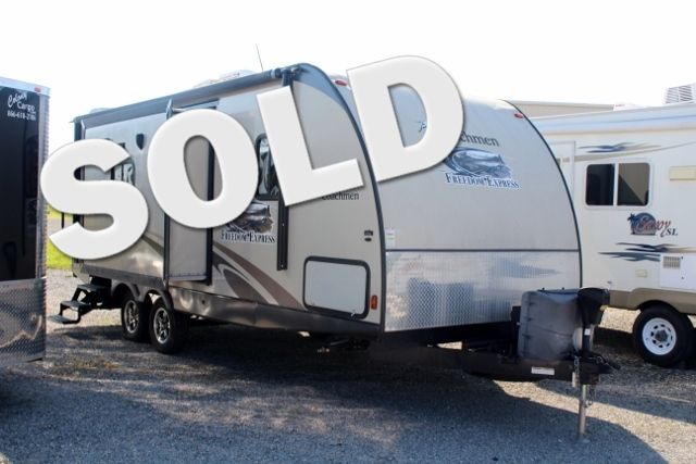 2013 Coachmen Freedom Express 233RBS in Jackson MO, 63755