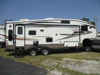 2013 Crossroad Cruiser 27RLX  city Florida  RV World of Hudson Inc  in Hudson, Florida