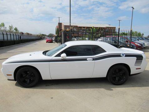 2013 Dodge Challenger SXT | Houston, TX | American Auto Centers in Houston, TX