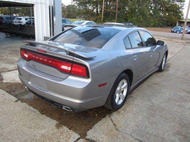 2013 Dodge Charger SE Houston, Mississippi 4