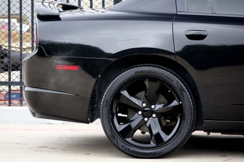 2013 Dodge Charger RT* Sunroof* BU Cam* Black Beauty* EZ Finance** | Plano, TX | Carrick's Autos in Plano, TX