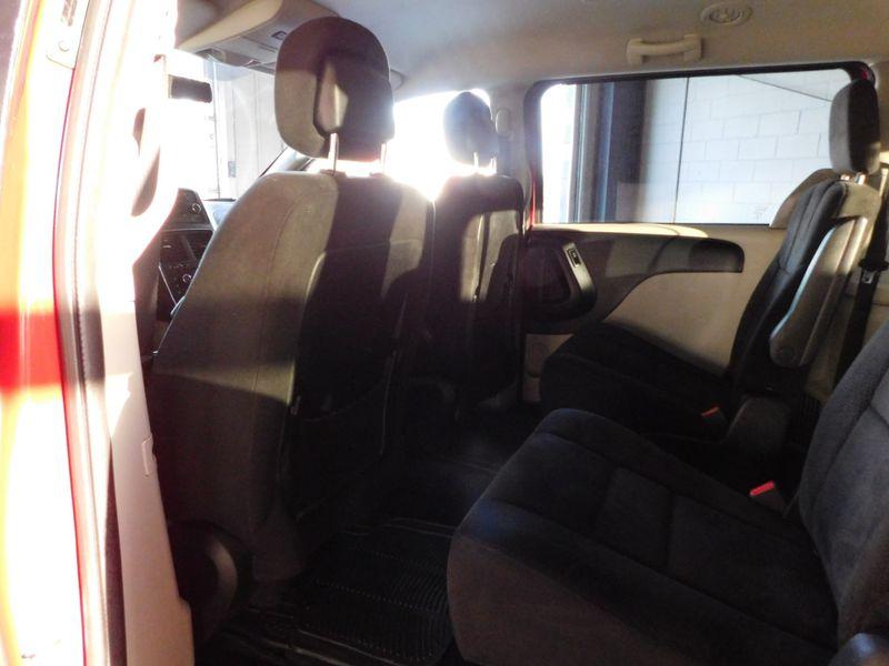 2013 Dodge Grand Caravan SXT  city TN  Doug Justus Auto Center Inc  in Airport Motor Mile ( Metro Knoxville ), TN