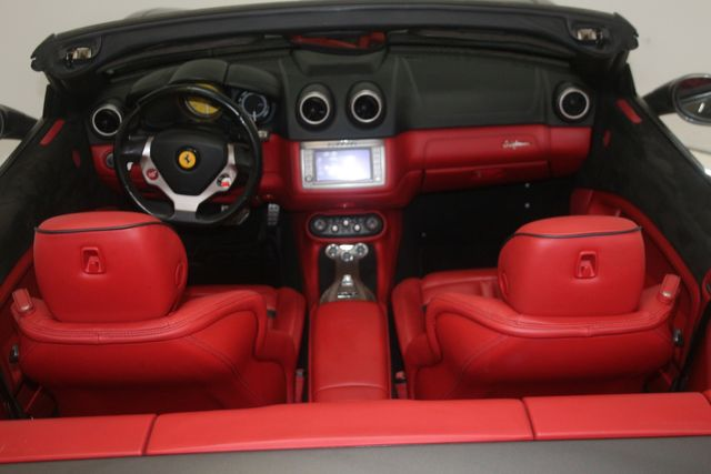 2013 Ferrari California Houston, Texas 26