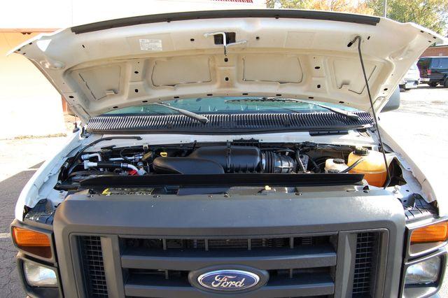 2013 Ford 11 Pass. XL Charlotte, North Carolina 20