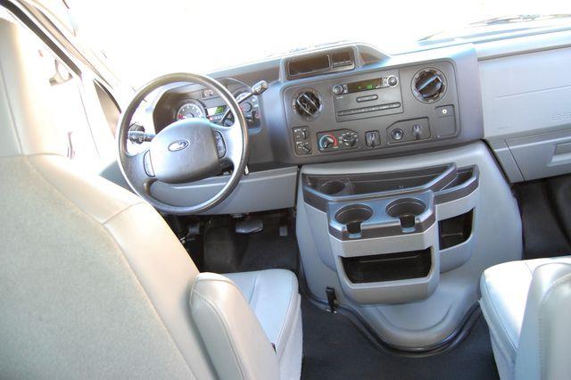 2013 Ford 11 Pass. XL Charlotte, North Carolina 15