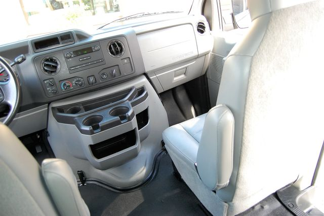 2013 Ford 11 Pass. XL Charlotte, North Carolina 17