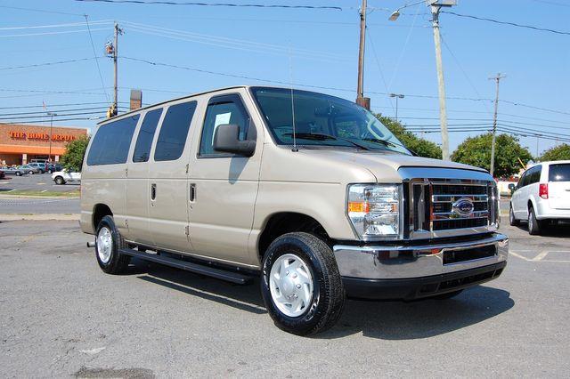 2013 Ford 12 Pass. XLT Charlotte, North Carolina 1