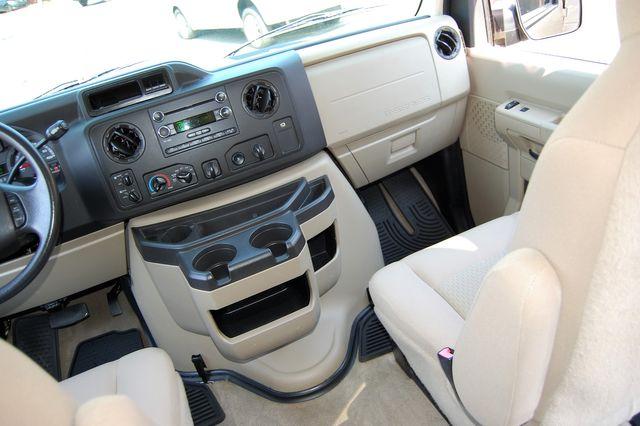 2013 Ford 12 Pass. XLT Charlotte, North Carolina 15