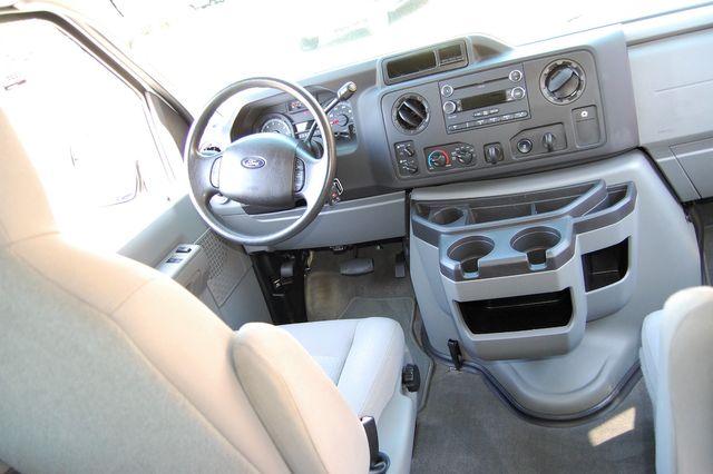 2013 Ford 15 Pass. XLT Charlotte, North Carolina 11