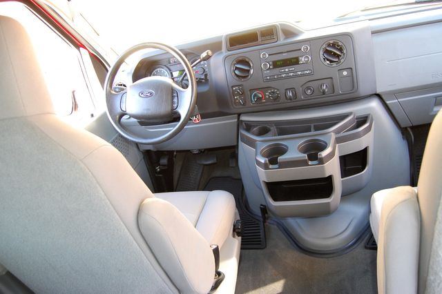 2013 Ford 15 Pass. V10 XLT Charlotte, North Carolina 14