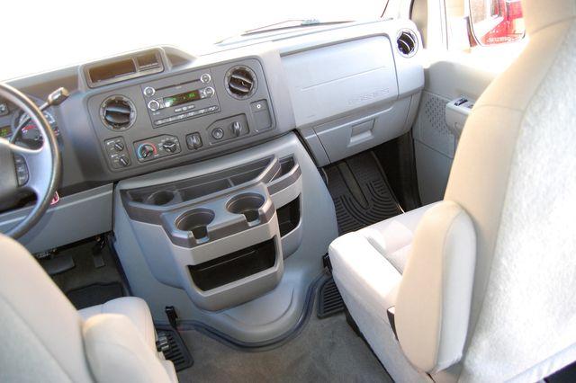 2013 Ford 15 Pass. V10 XLT Charlotte, North Carolina 15