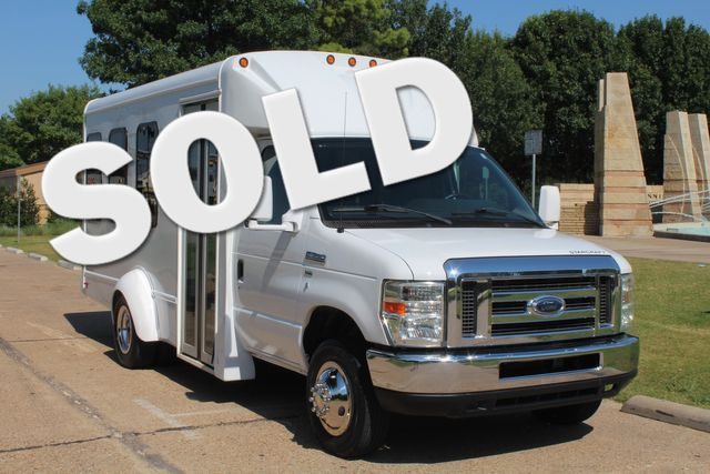 2013 Ford E-350 15 Passenger Starcraft Shuttle Bus W/ Co-Pilot Seat in Irving, Texas 75060
