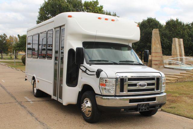 2013 Ford E-350 Starcraft 15 Passenger Shuttle Bus Irving, Texas 1