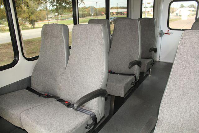 2013 Ford E-350 Starcraft 15 Passenger Shuttle Bus Irving, Texas 14