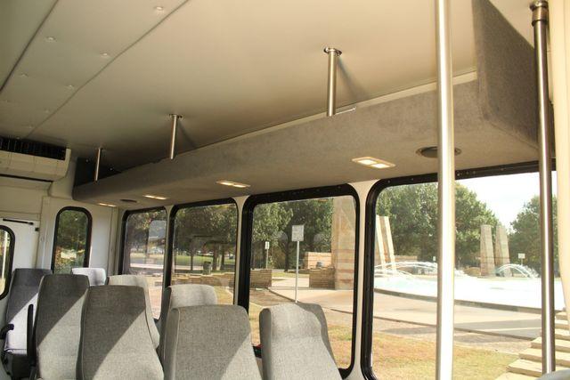 2013 Ford E-350 Starcraft 15 Passenger Shuttle Bus Irving, Texas 17