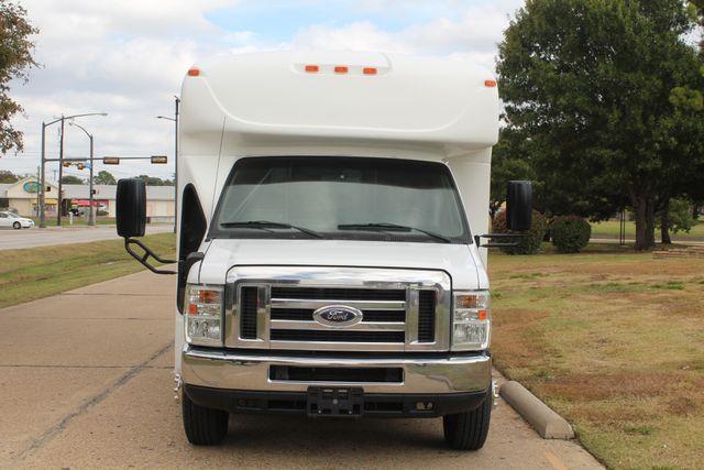 2013 Ford E-350 Starcraft 15 Passenger Shuttle Bus Irving, Texas 2