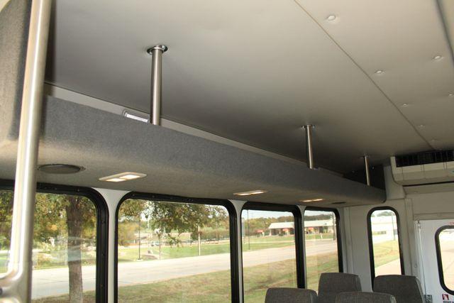 2013 Ford E-350 Starcraft 15 Passenger Shuttle Bus Irving, Texas 20