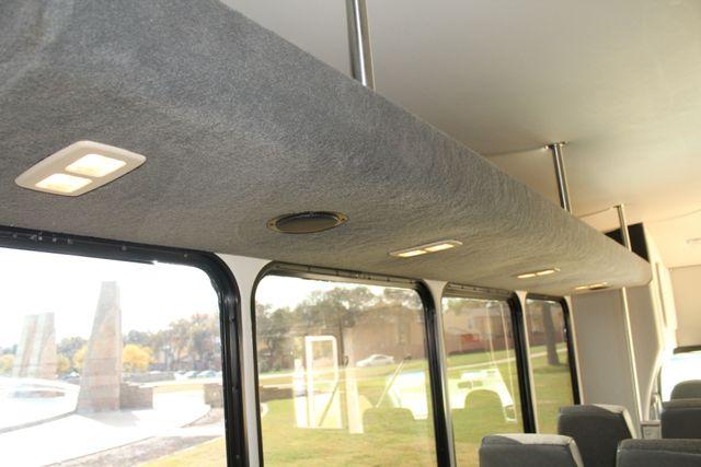 2013 Ford E-350 Starcraft 15 Passenger Shuttle Bus Irving, Texas 21