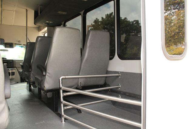 2013 Ford E-350 Starcraft 15 Passenger Shuttle Bus Irving, Texas 26