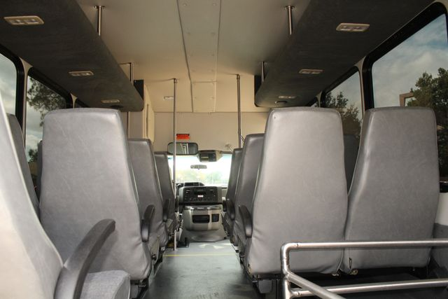 2013 Ford E-350 Starcraft 15 Passenger Shuttle Bus Irving, Texas 30