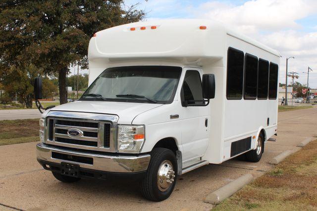 2013 Ford E-350 Starcraft 15 Passenger Shuttle Bus Irving, Texas 3