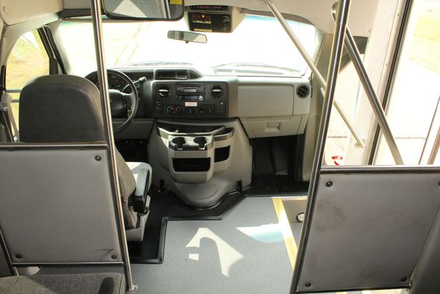 2013 Ford E-350 Starcraft 15 Passenger Shuttle Bus Irving, Texas 31