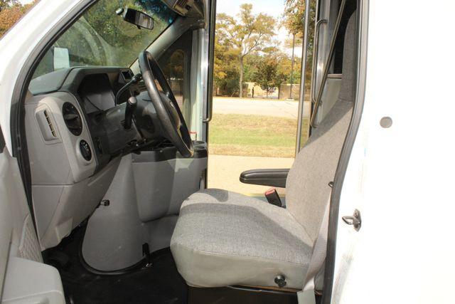 2013 Ford E-350 Starcraft 15 Passenger Shuttle Bus Irving, Texas 49