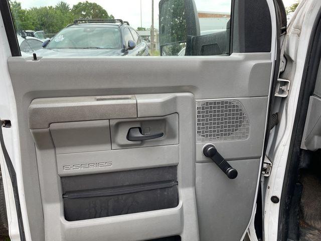 2013 Ford E-Series Cutaway Base Madison, NC 5