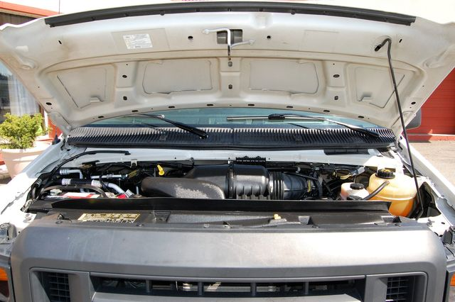 2013 Ford E250 Cargo Van Charlotte, North Carolina 17