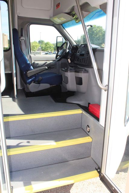 2013 Ford E350 15 Passenger Starcraft Shuttle Bus W/ Wheelchair Lift Irving, Texas 10