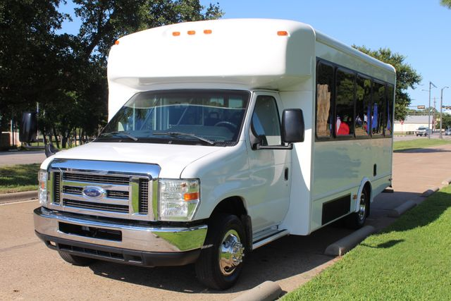 2013 Ford E350 15 Passenger Starcraft Shuttle Bus W/ Wheelchair Lift Irving, Texas 2